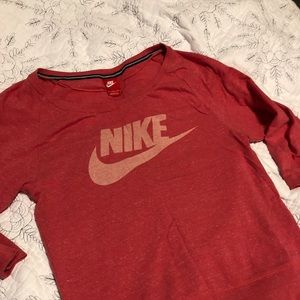 Nike 3/4 sleeve top size Small